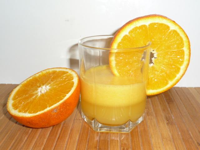 Как приготовит апельсиновый сок в домашних условиях 258
